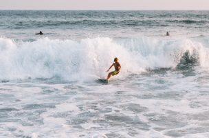 Surfeur Salavador de Bahia